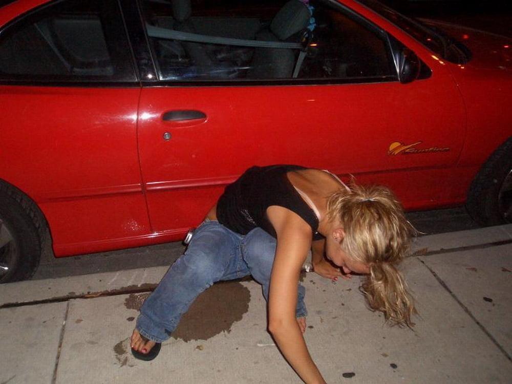 если это пьяные обоссавшиеся девушки фото прием