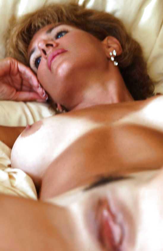 Naked mature women masterbating-3693