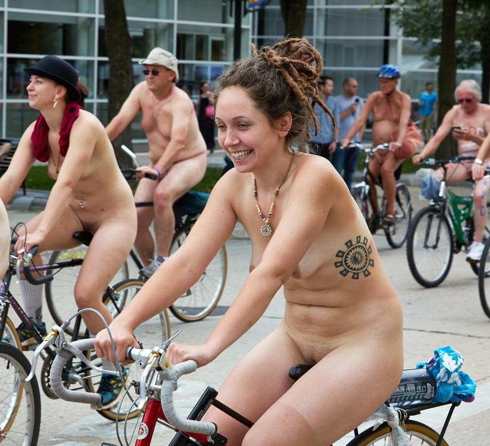 Upskirt horny college girls