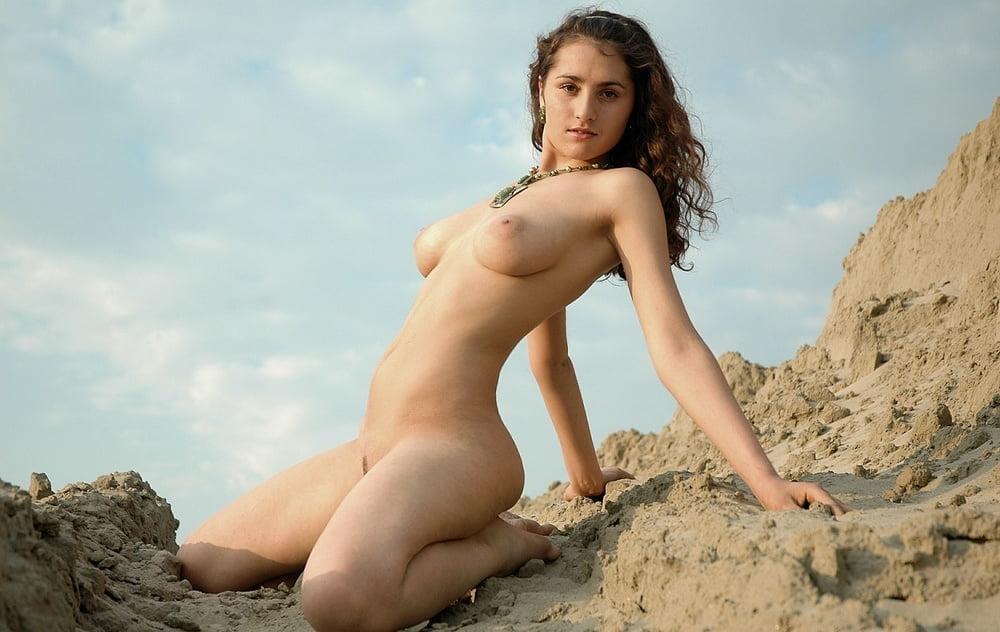 Nohar Batit's Bikini Boobs On Instagram