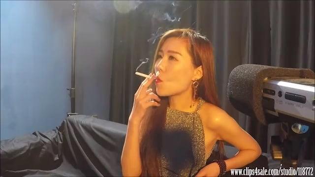 Mature smoking fetish porn