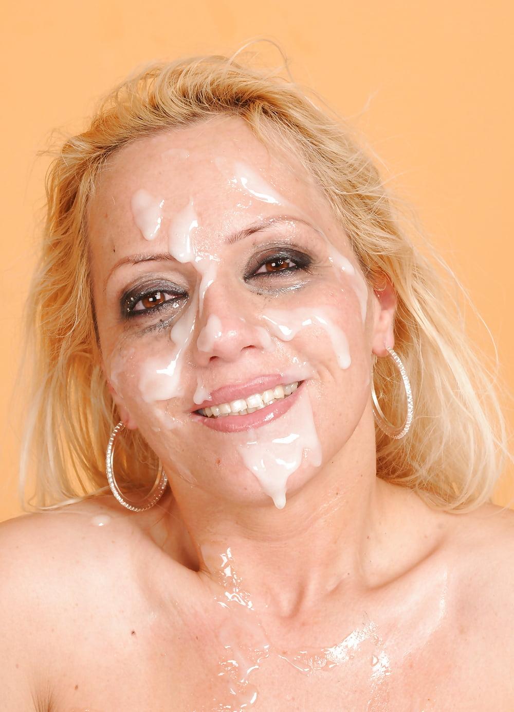 Blonde Milf Wants Bukkake Facial Cum