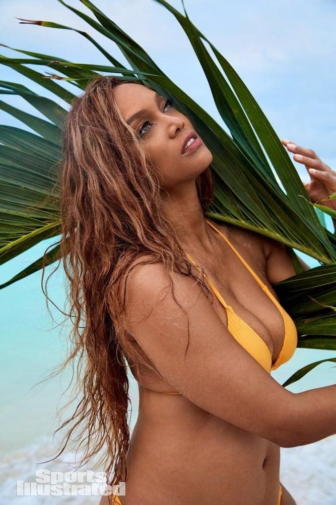 Tyra banks in bikini in mexico