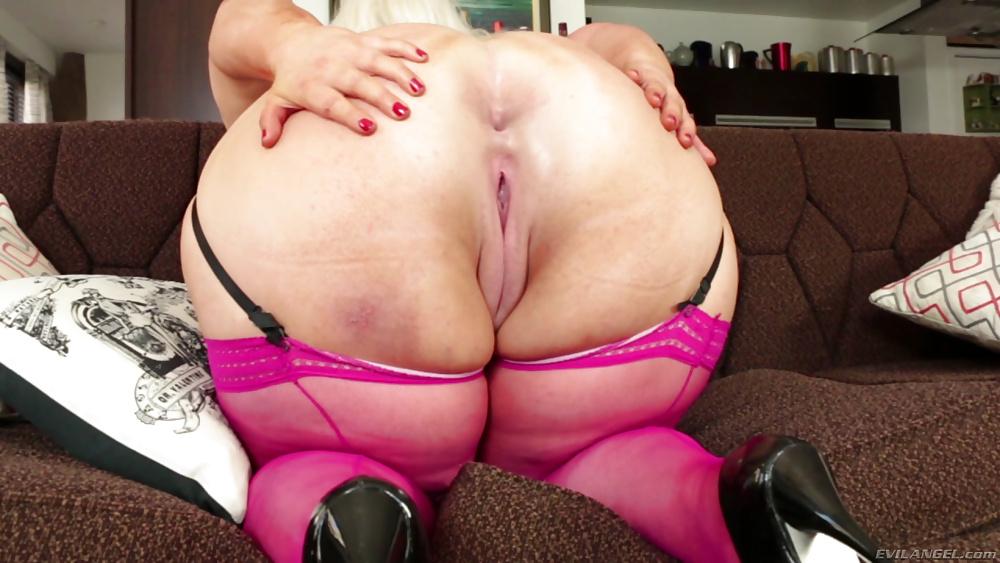 chubby-girl-thong-anal