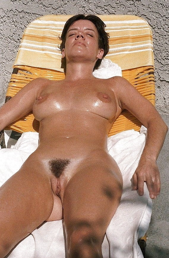 girls-tanned-pussy-hispanic-girls-stripping