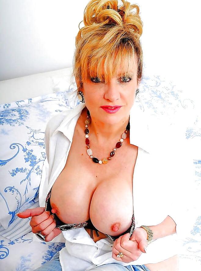 British milf lady sonia gets cumload on tits
