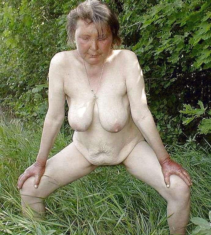 Granny Big Saggy Tits