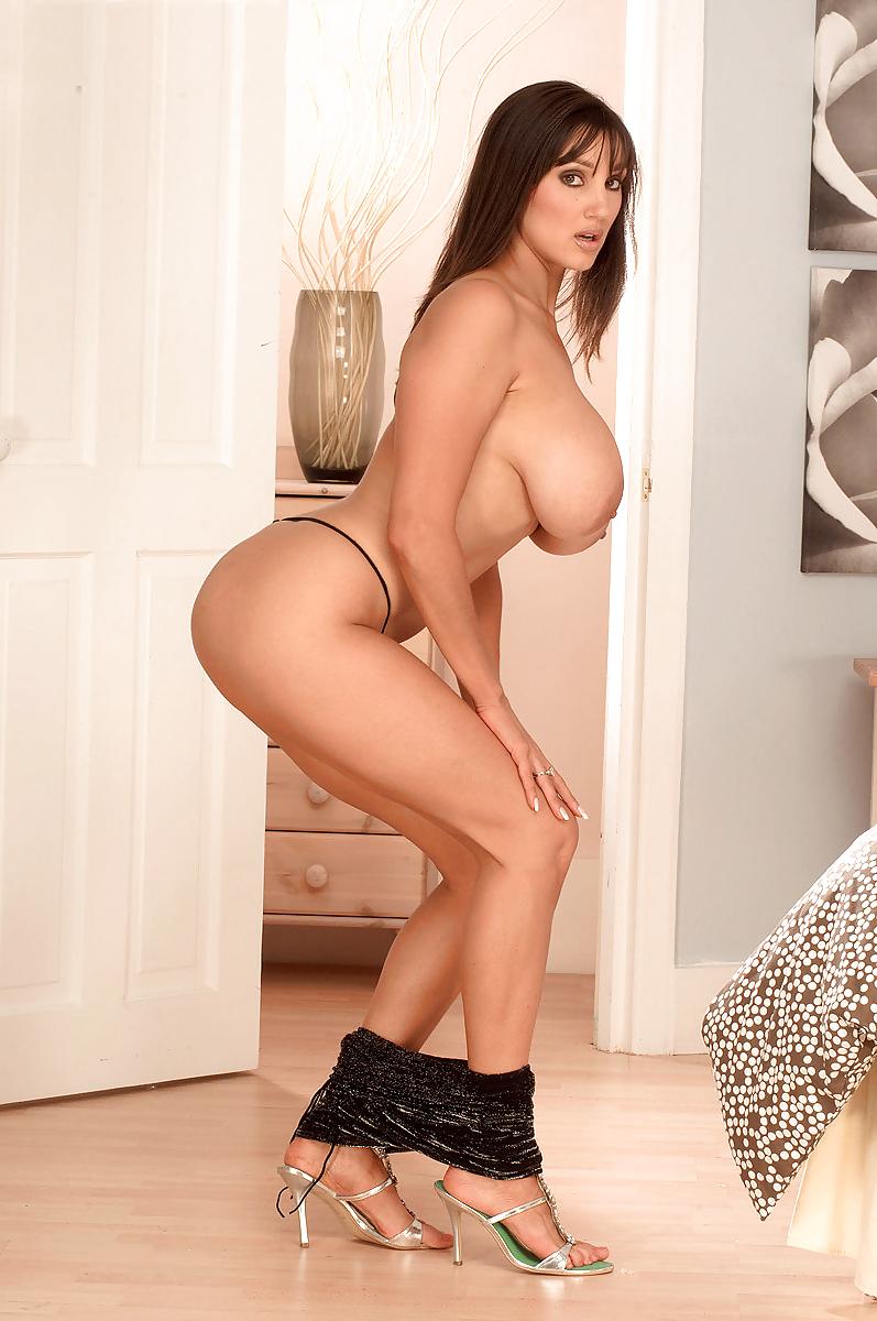 rukhsana-hot-pussy-nude-girl-skinny-dip