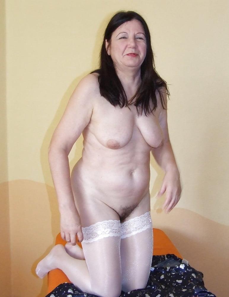 Mature 2471 - 49 Pics
