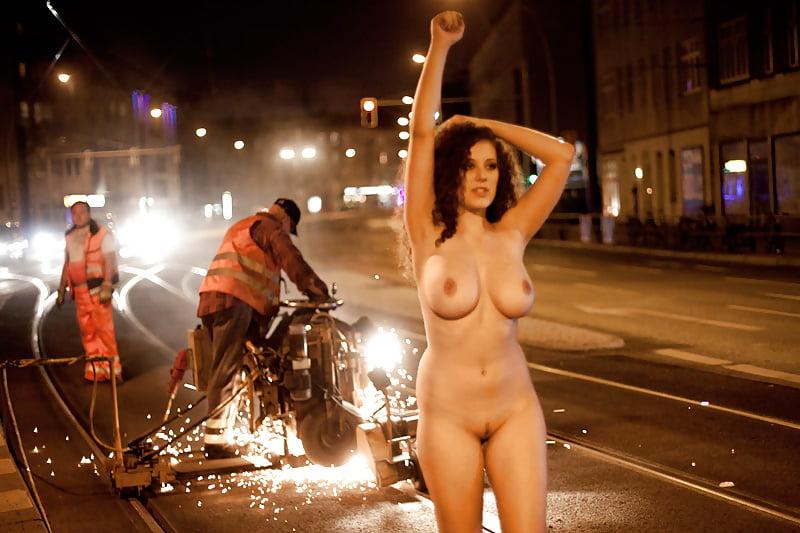 Nude pics lowfire leila Leila Lowfire