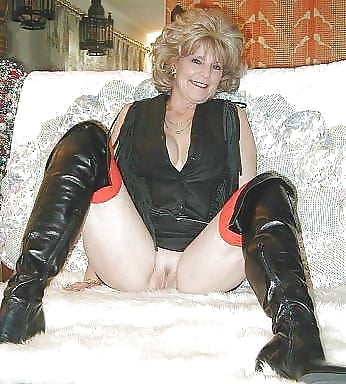 Sex In Hohen Stiefeln