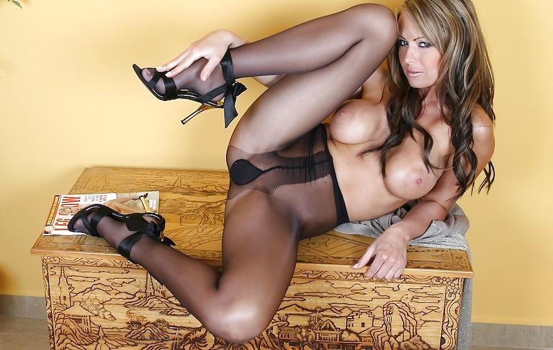 gorgeous-nylon-nude-women-mature-lick-homemade-movies