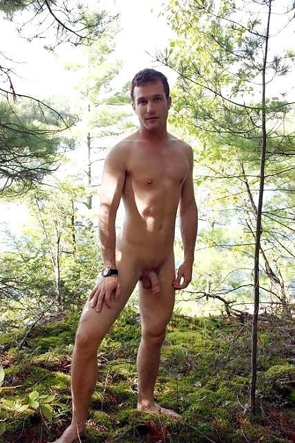 naked-men-hitch-hiking