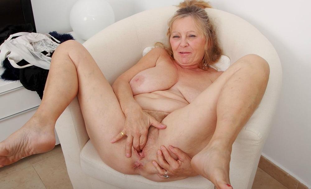 Xxx free grandma pussy porn pictures