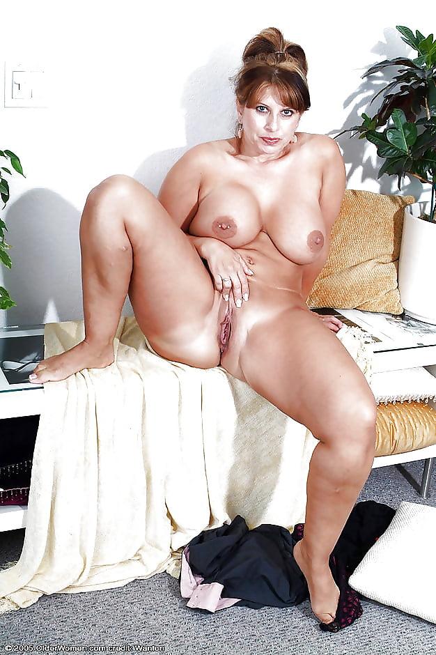 zhestko-viebal-porno-foto-appetitnie-dami-foto-ebut