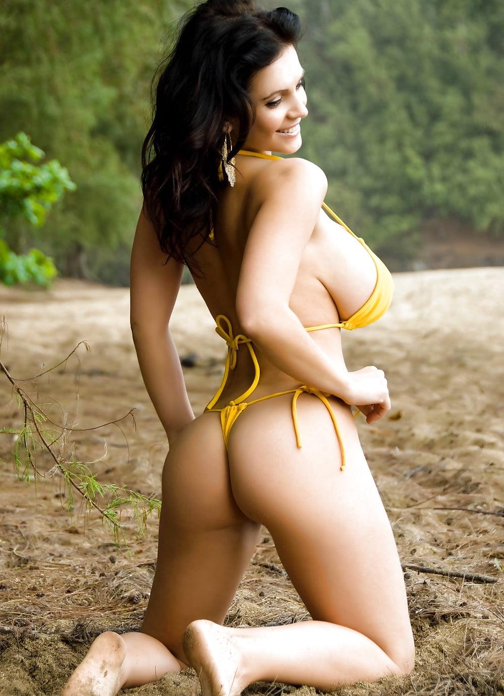 Nude gallery Kiara mia stockings