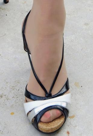cindys nylon feet she loves pantyhoses