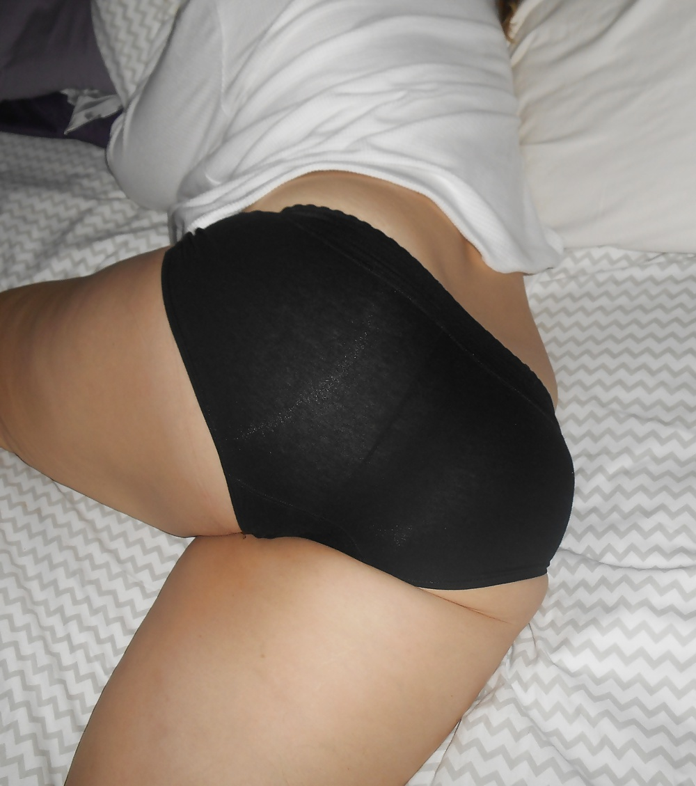 black-ass-in-panties-pantyhose-ass-worship-videos