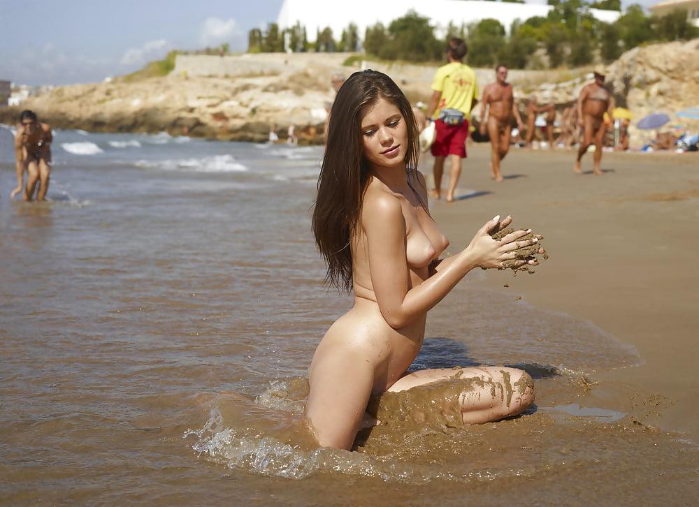 A Nude Muse Female Model Profile