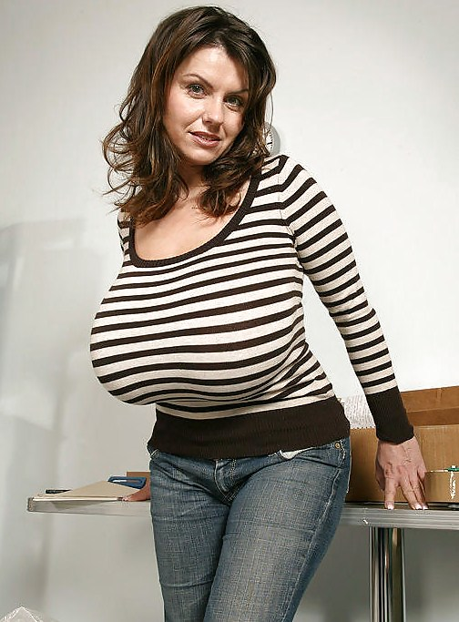 Big Tits White Girl Amateur
