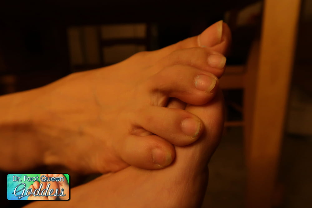 Natural Nails Toe Wiggling