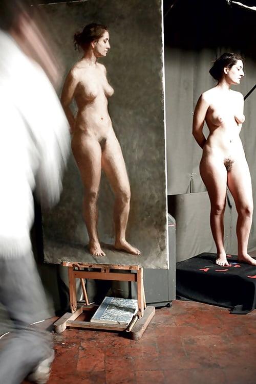 видео обнаженной женщины позирующей для художников - 4