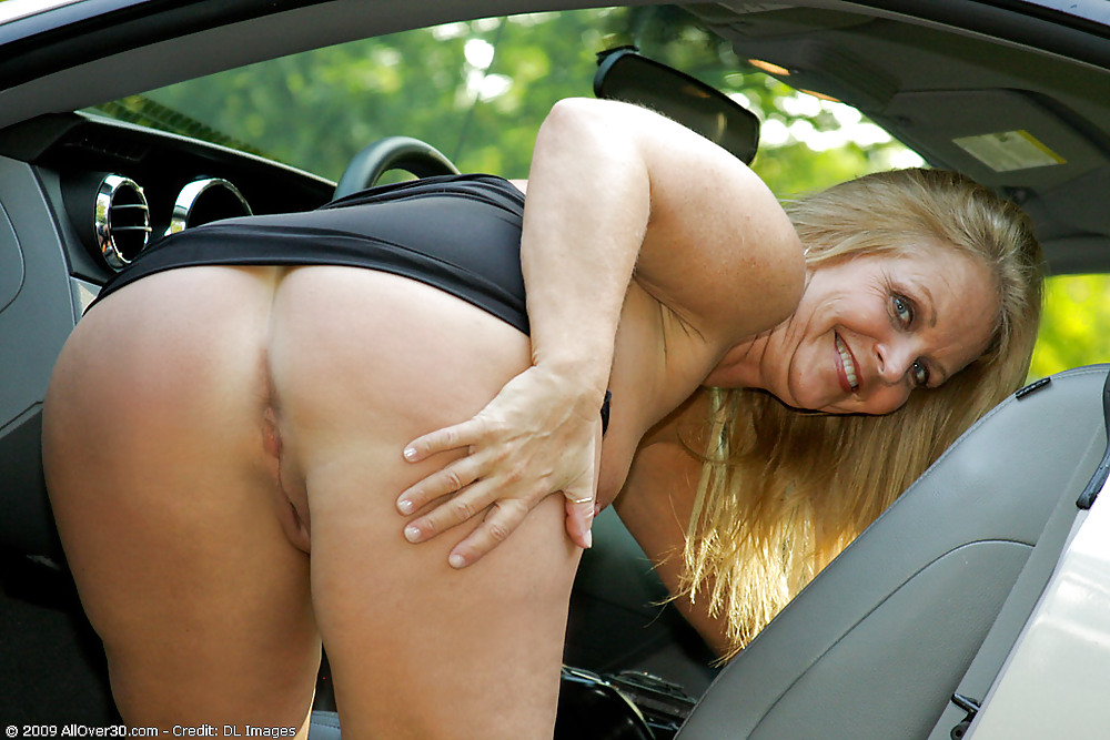 зрелые тетки в машине порно