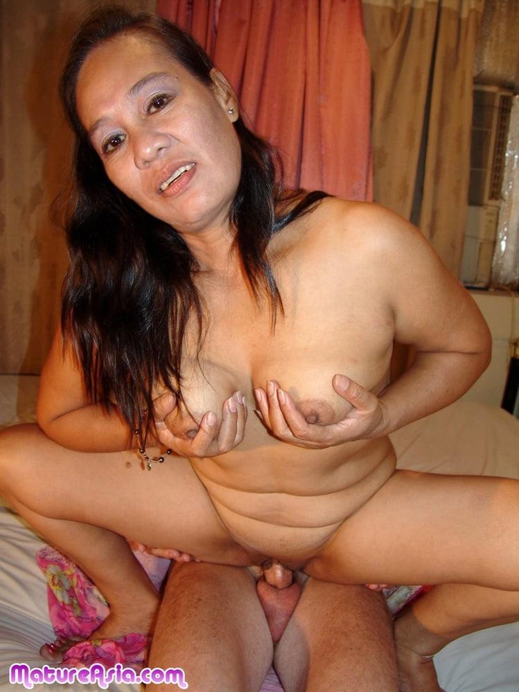 Beautiful Nude Mature Women Wet
