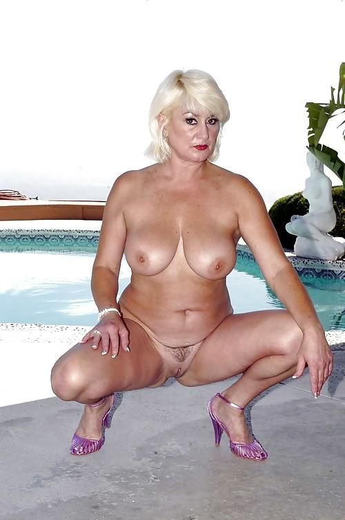 Sexy model nancy erminia nude