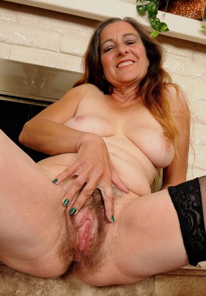 Hot mature pussy wet