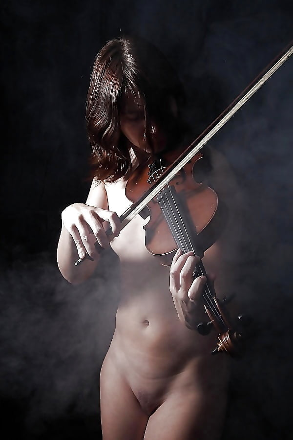 Salome opera by richard strauss nude young woman with a violin stock photo