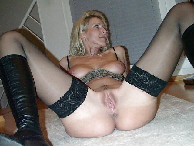 Wide open pantyhose legs pics