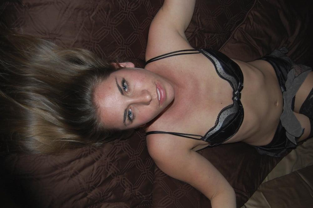 Video xnxx brunette-1112