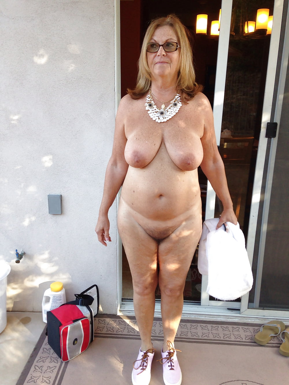 Nude mature heavy