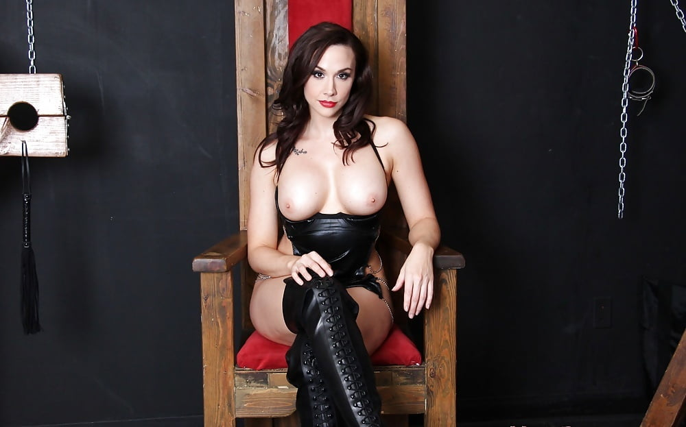 femdom-julia-preston-girls-fucked-and-oral-sex