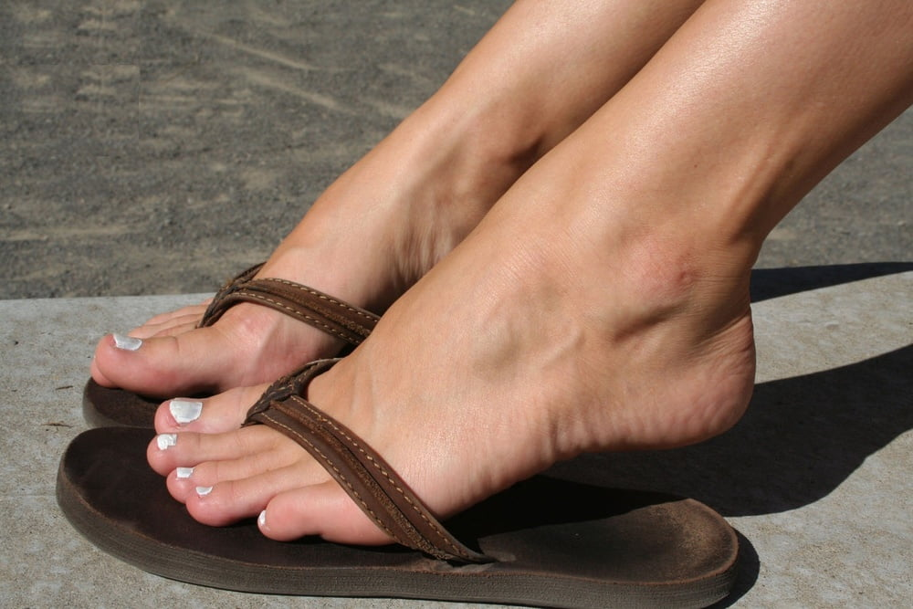 young-girls-feet-flip-flops-porn-videos-degree