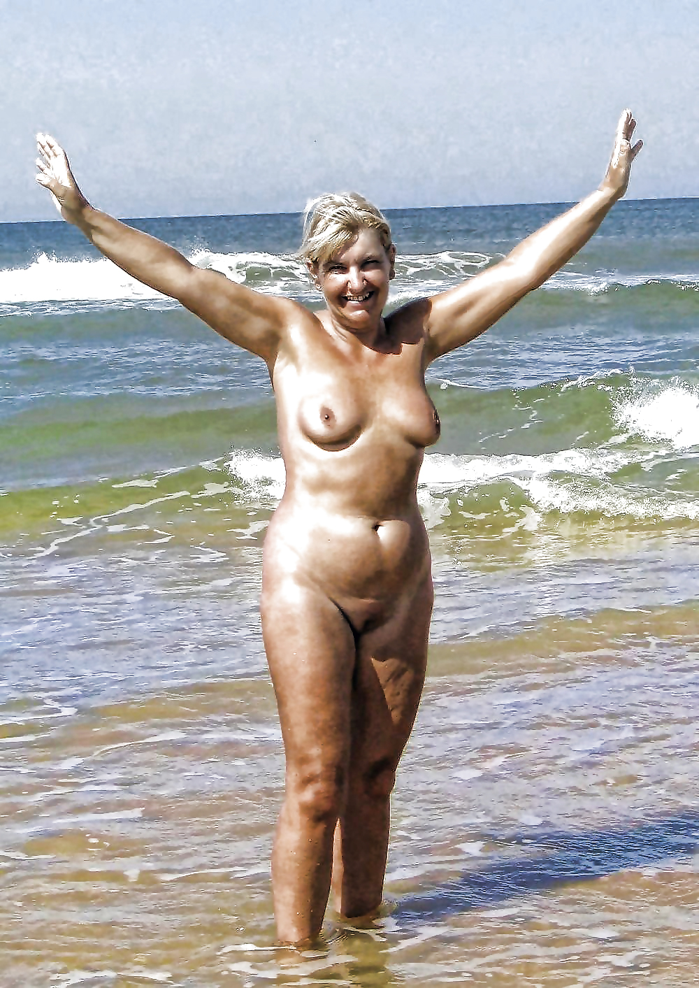 Beach fun naked-7847