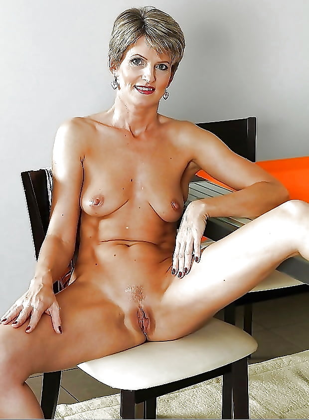 Are mature women still sexy naked #1