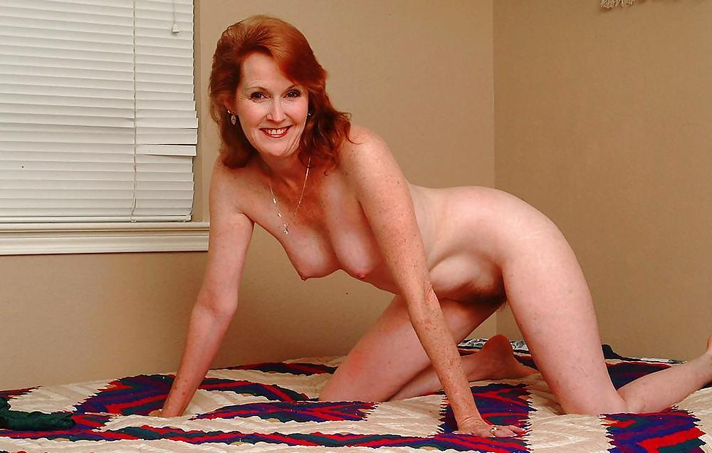 Pretty housewife naked