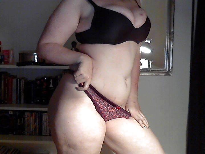 Hermosa gordibuena de cali masturbandose por webcam - 2 10
