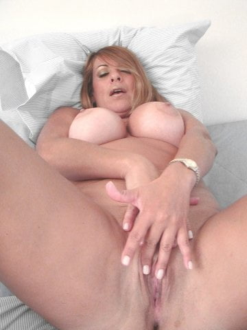 Hot mature latina women-8105