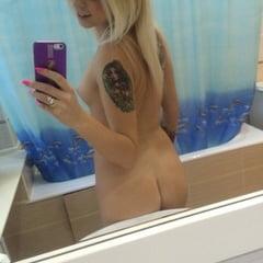 Just Some Nudes At My Boyfriend's Bathroom