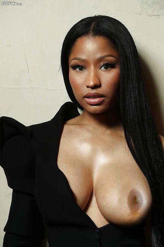 Minaj topless nicki Nicki Minaj