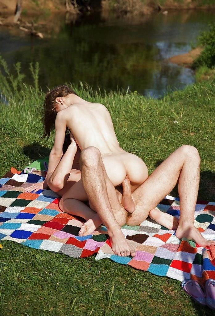 Секс фото на пикник