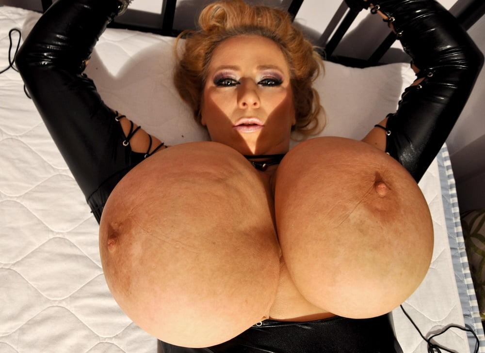 Xxx huge black tits-7334