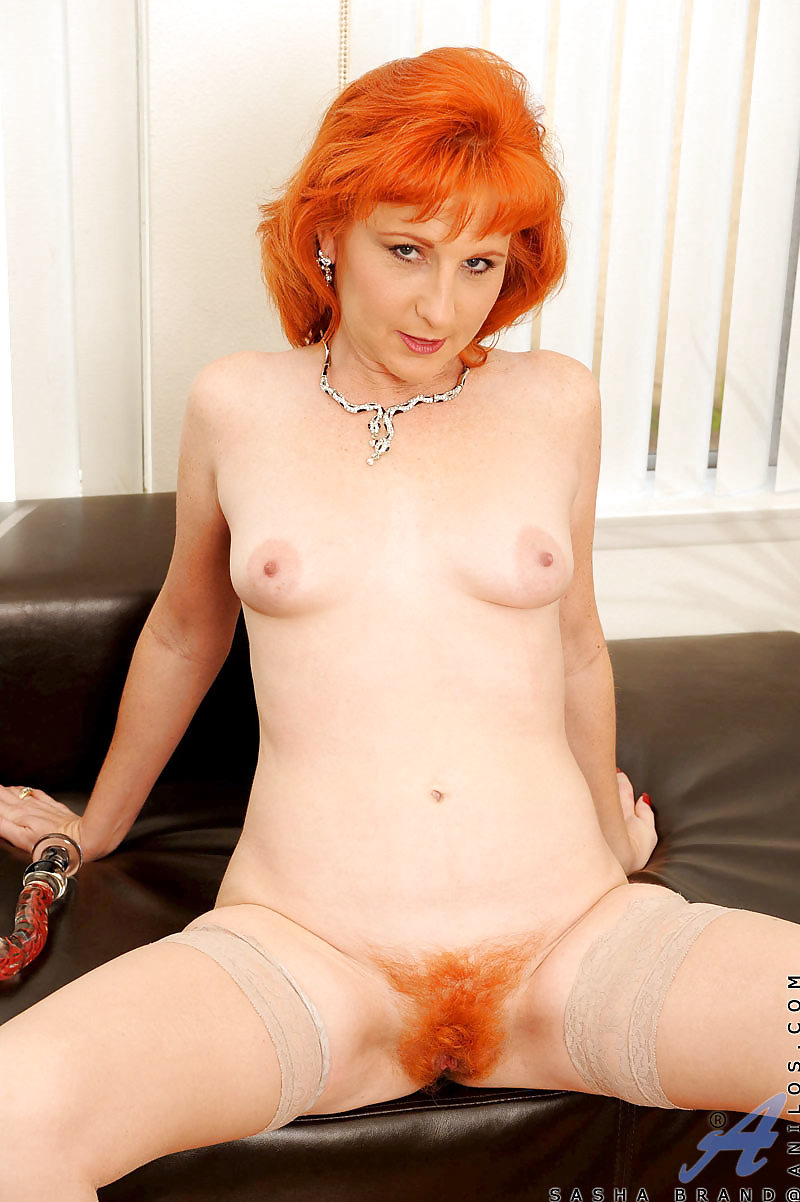 nude-sexy-mature-redhead-women