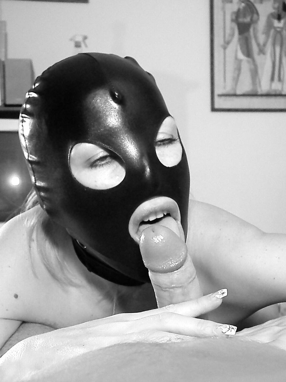 видео трах в маске в рот латекс - 5
