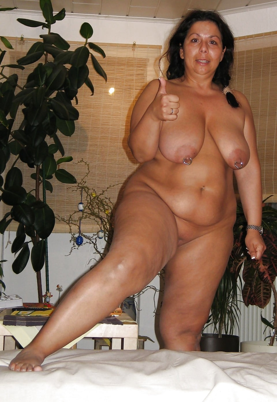 Tanned bbw nude