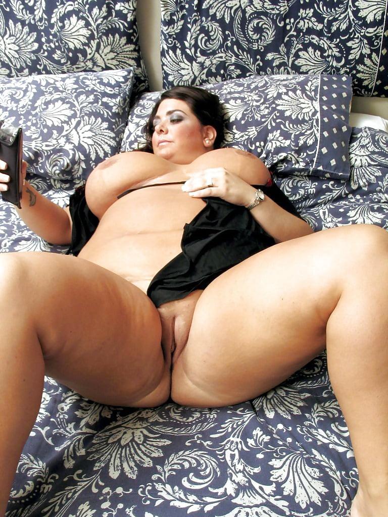 потом снимает сексуальные зрелые толстушки испанки письмо фото желаний