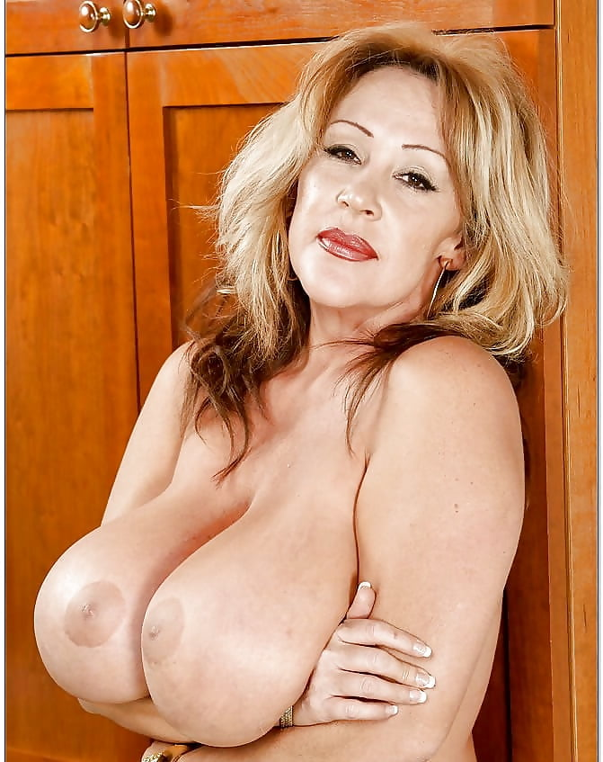 Big Tits Mature Public